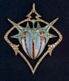 Chestnut pendant by Charles Desrosiers and Georges Fouquet, 1906.