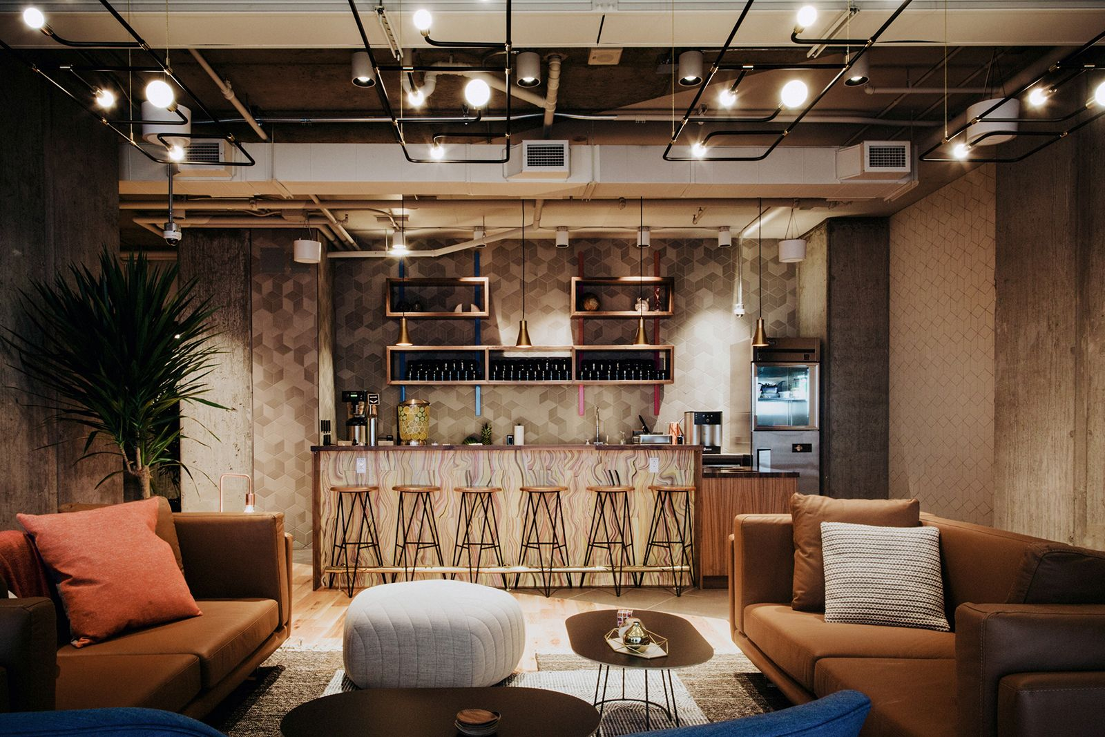 A tour of wework s montreal coworking space wework pinterest bureau maison and espace for Montreal interior design firms
