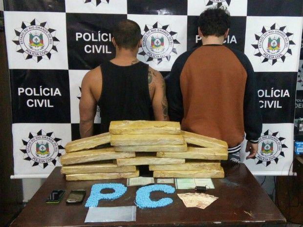 DE OLHO 24HORAS: Dupla é presa com ecstasy e 22 kg de maconha em Pe...