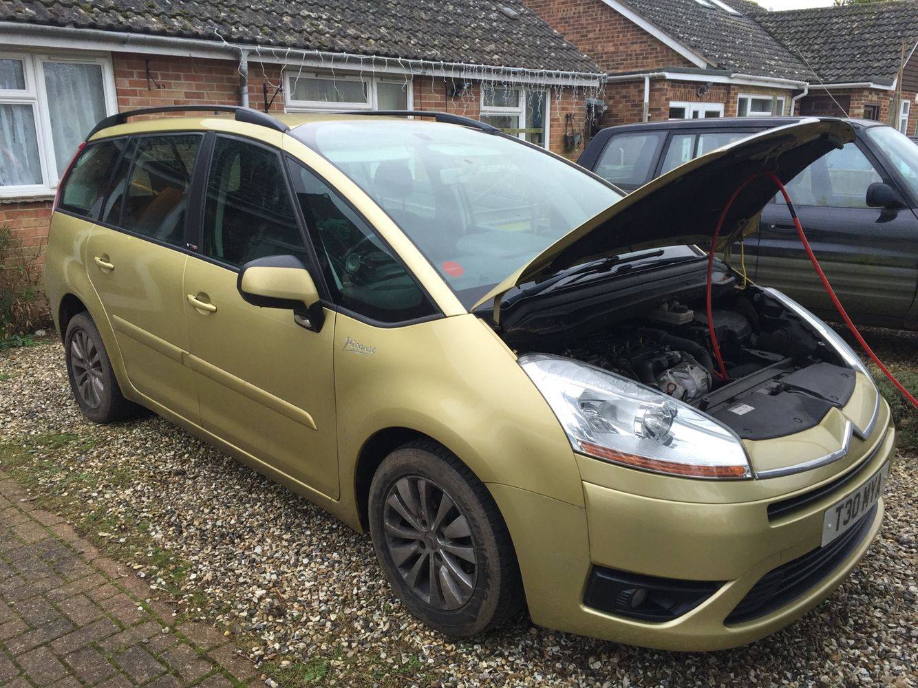Citroen C4 Picasso 1.6 HDi gets an engine carbon clean to
