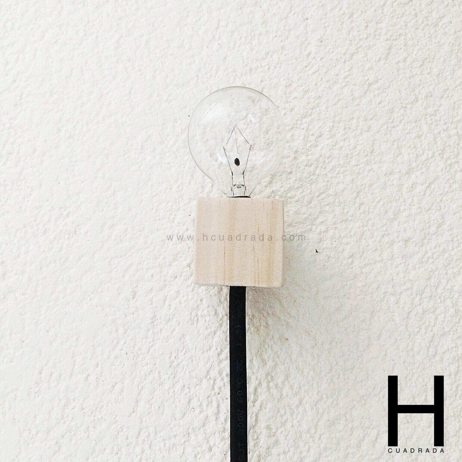 Foco flotante #venta #lampara #madera #diseno #minimalista #arquitectos #lamp #wood #design #minimalism #architects #hcuadrada