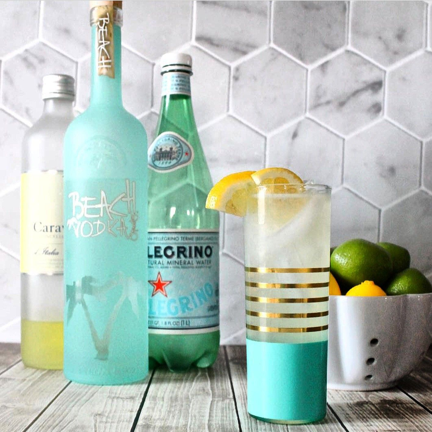 1½ Cups Beach Vodka, 1 Cup Freshly Squeezed Lemon Juice (6