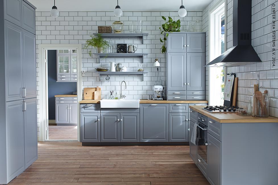 Ikea Tegels Keuken : Tegels tot aan het plafond en een combinatie van open en gesloten