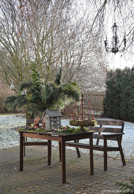 übern Gartenzaun Geschaut Zu Marina Außendekoration Im Winter