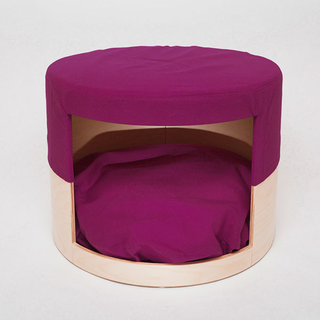 HIDE M dogbed & footstool, natural- i can make this for a helluva lot less than 640 euro