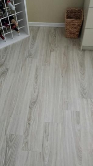 Trafficmaster Alpine Elm 6 In X 36 In Luxury Vinyl Plank Flooring 24 Sq Ft Case 63275 In