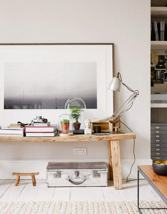 idea para un rincon en el salon, que el cuadro de encima sea de una playa y poner una alfombra grande de color blanco roto igual que el suelo