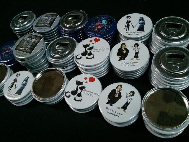 Abrebotellas y Espejos Personalizados | Detalles de Boda, www.chapea.com