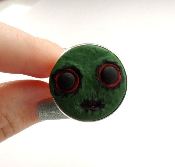 Kawaii creepy monster ring  halloween  hand by StefisBoutique