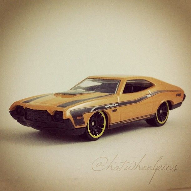 117 72 ford gran torino 2012 hot wheels muscle mania