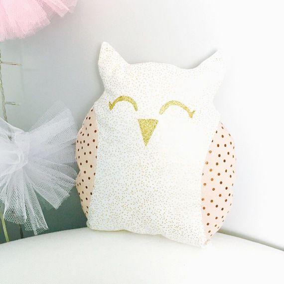 coussin chouette pour enfant ou d coration blanc dor et rose chambre enfant id e cadeau no l. Black Bedroom Furniture Sets. Home Design Ideas