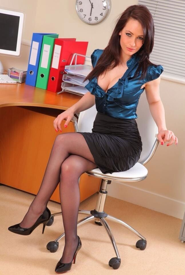 Secretary Hot Pic