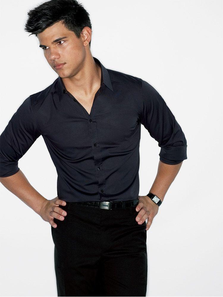 43aa38ada9 6 Killer Ways to Wear a Black Dress Shirt (Without Looking Slick ...