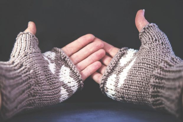 Oatmeal and Cream: Delicious mitts from Alice Neal | Mitones y Guantes