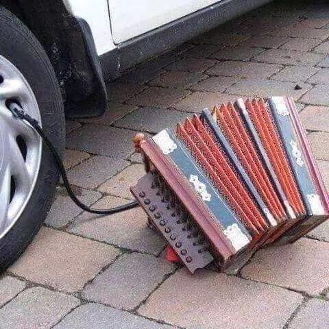 Si es estúpido pero funciona ya no es tan estúpido…o igual si - #acrodeon #image #inflar #rueda