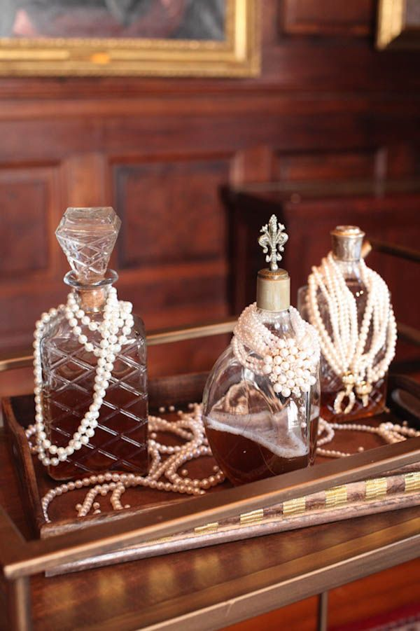 Styled shoot 1920 39 s old hollywood wedding ideas for Old hollywood decor