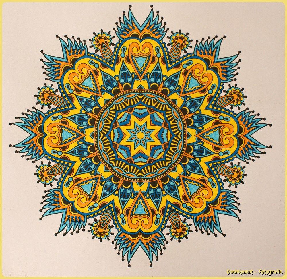 En Weer Een Mandala Klaar Uit Het Enige En Echte Mandala Kleurboek Ik Vind Hem Wel Weer Geslaagd Dit Keer Gekleurd M Mandala Kleurplaten Kleurboek Mandala