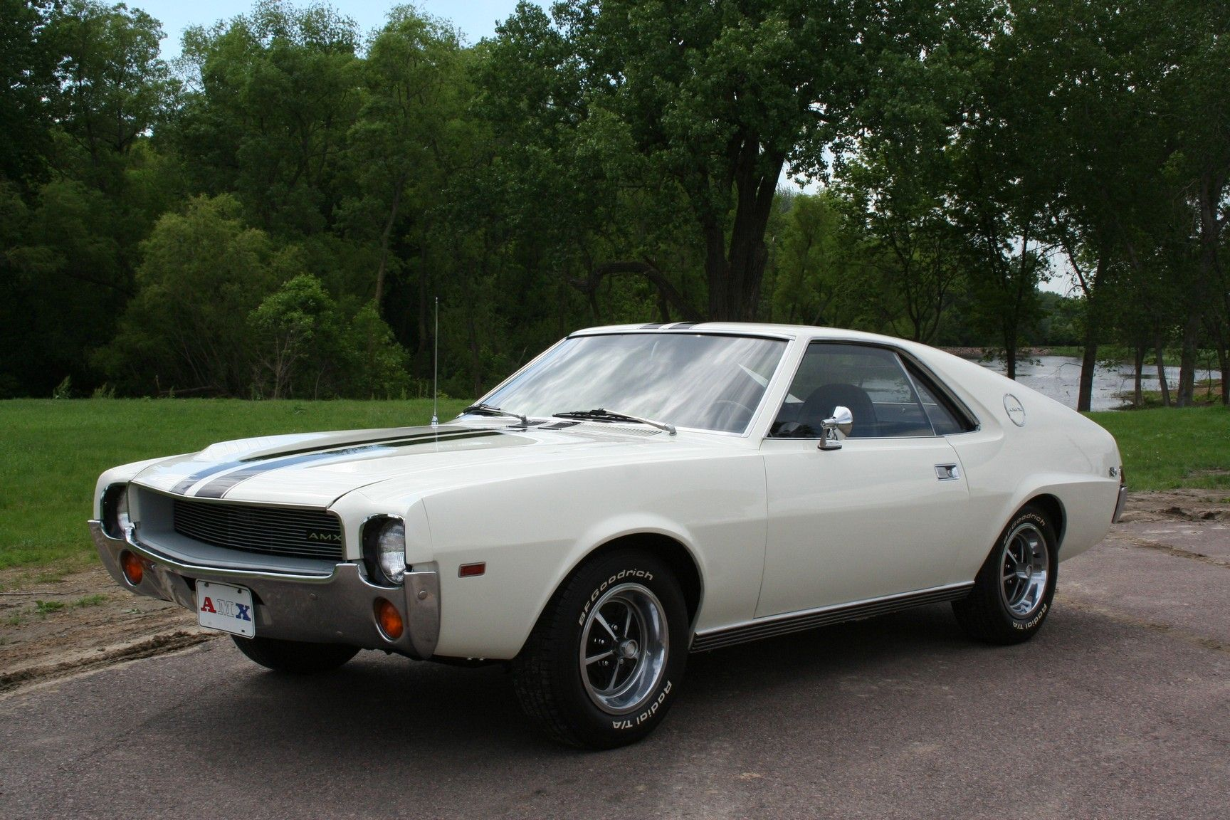 autotrader classics 1969 amc amx coupe white automatic muscle pony cars sioux city ia. Black Bedroom Furniture Sets. Home Design Ideas