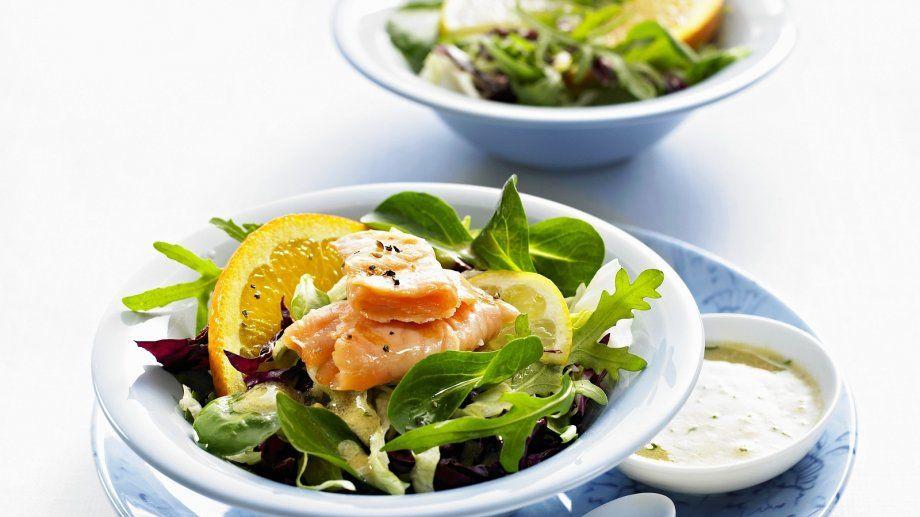 gemischter salat mit lachs rezept food salads and dips pinterest salat gemischter salat. Black Bedroom Furniture Sets. Home Design Ideas