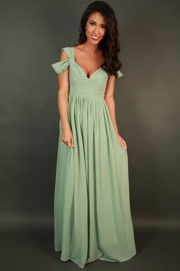 Napa Valley Outing Maxi Dress In Light Sage
