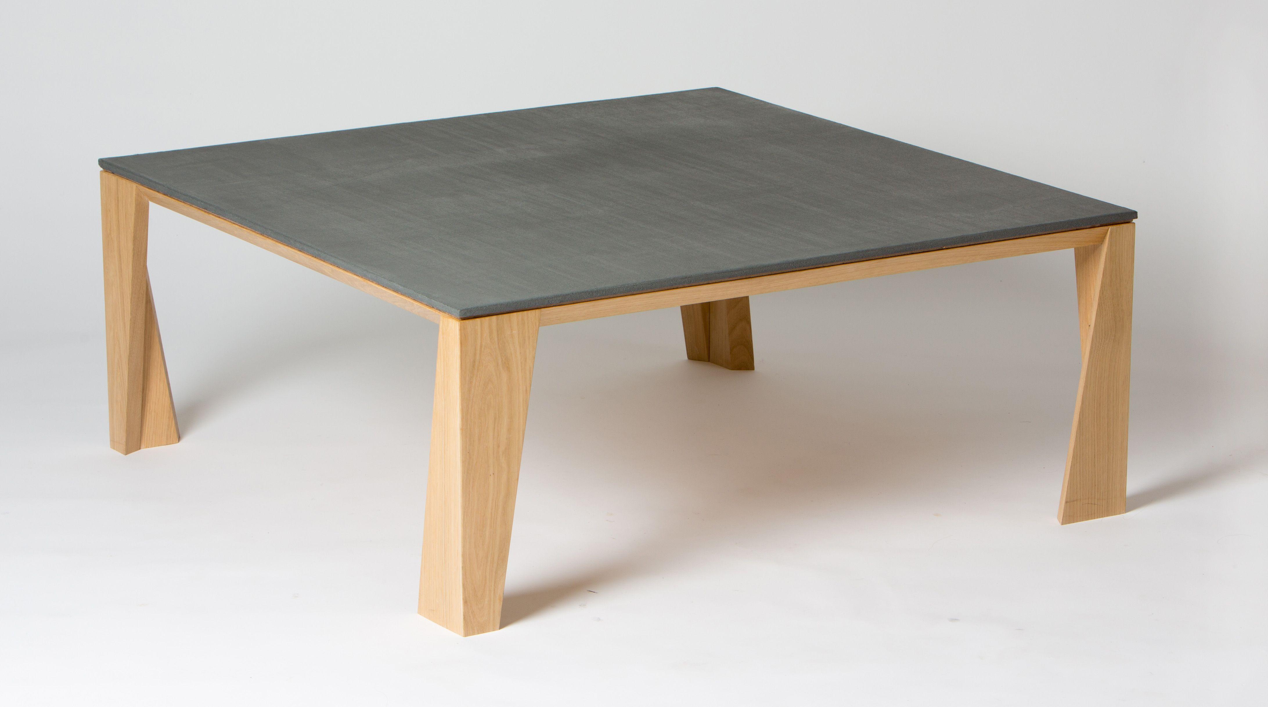 Table Basse En Ch Ne Massif Et B Ton Les Angles Biseaut S Et La  # Meuble Tv Angle Beton