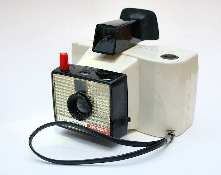 Polaroid swinger camara