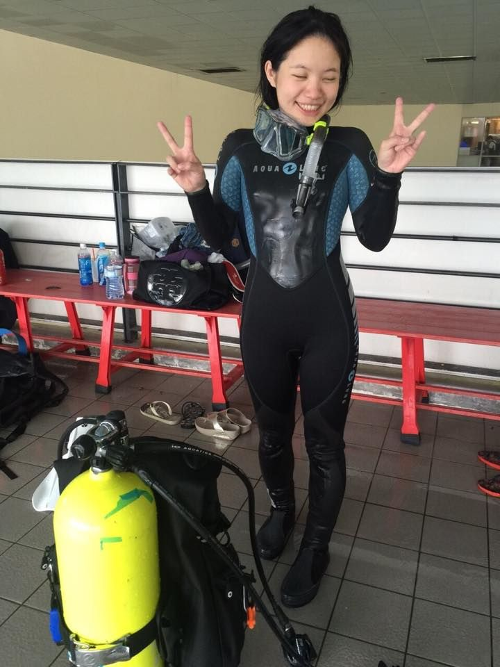 japanese-girl-in-a-wetsuit-gif-penctomy-fetish-stories