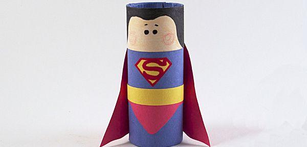 Es un pájaro, es un avión... ¡No! ¡Es Superman! Crea tu propio superhéroe con tubos de papel hiegiénico