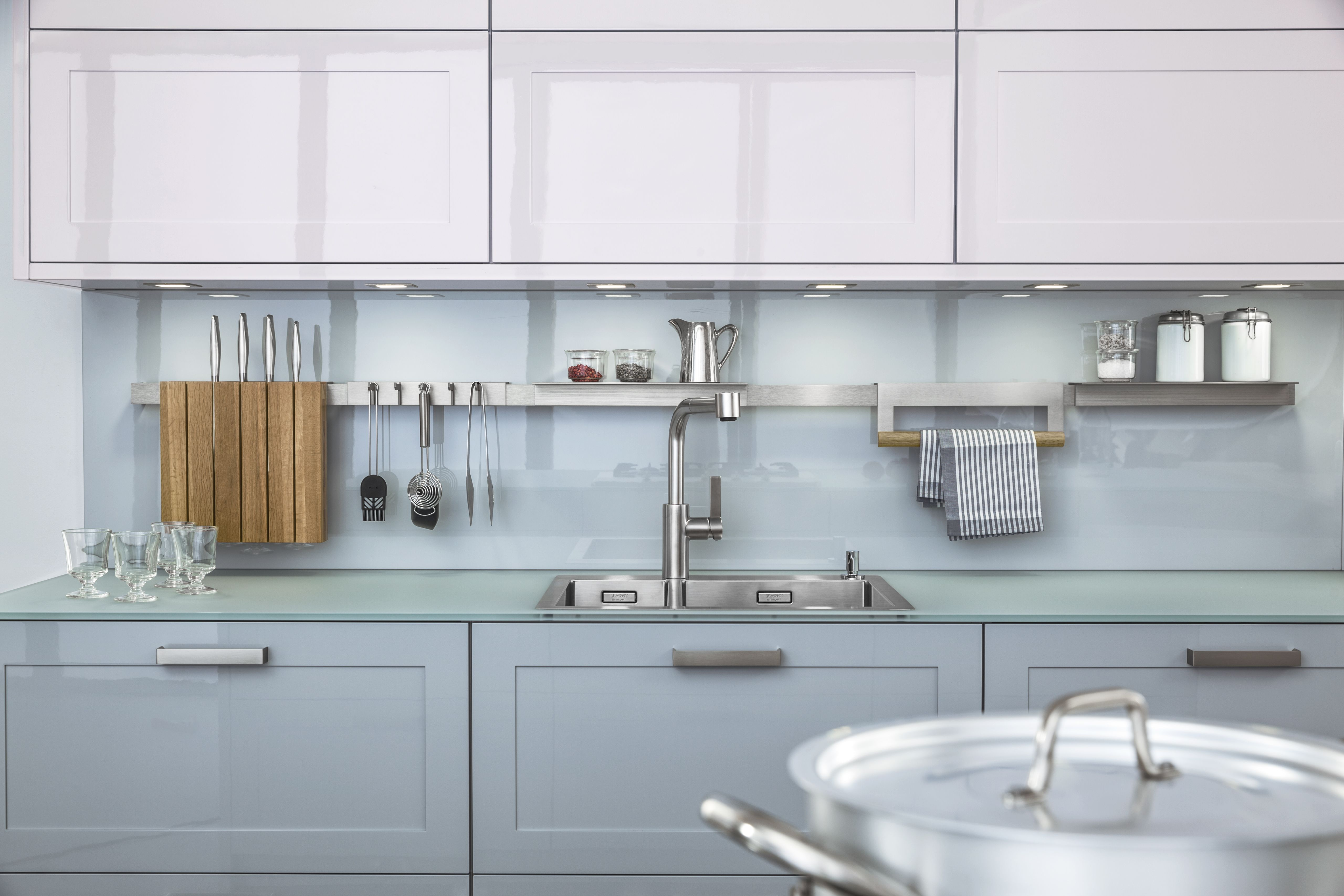 The stunning CARREFS range by LEICHT Kitchens Design Centre A