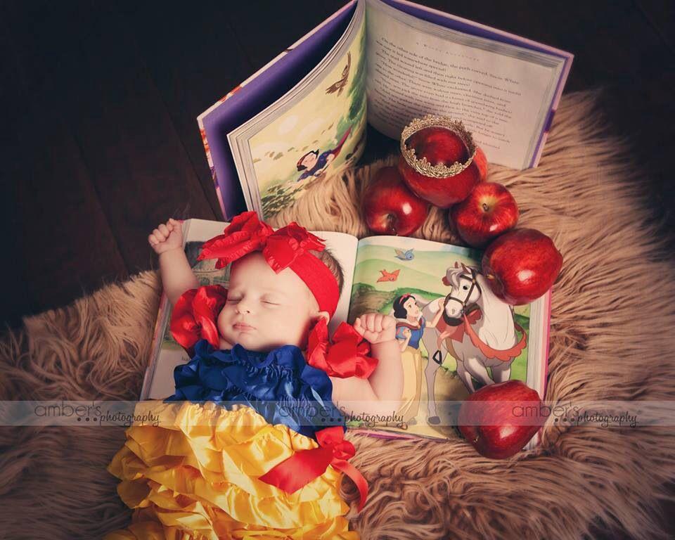 eea43a2667069 Newborn baby Disney Snow White photo shoot | Photograph | Newborn ...