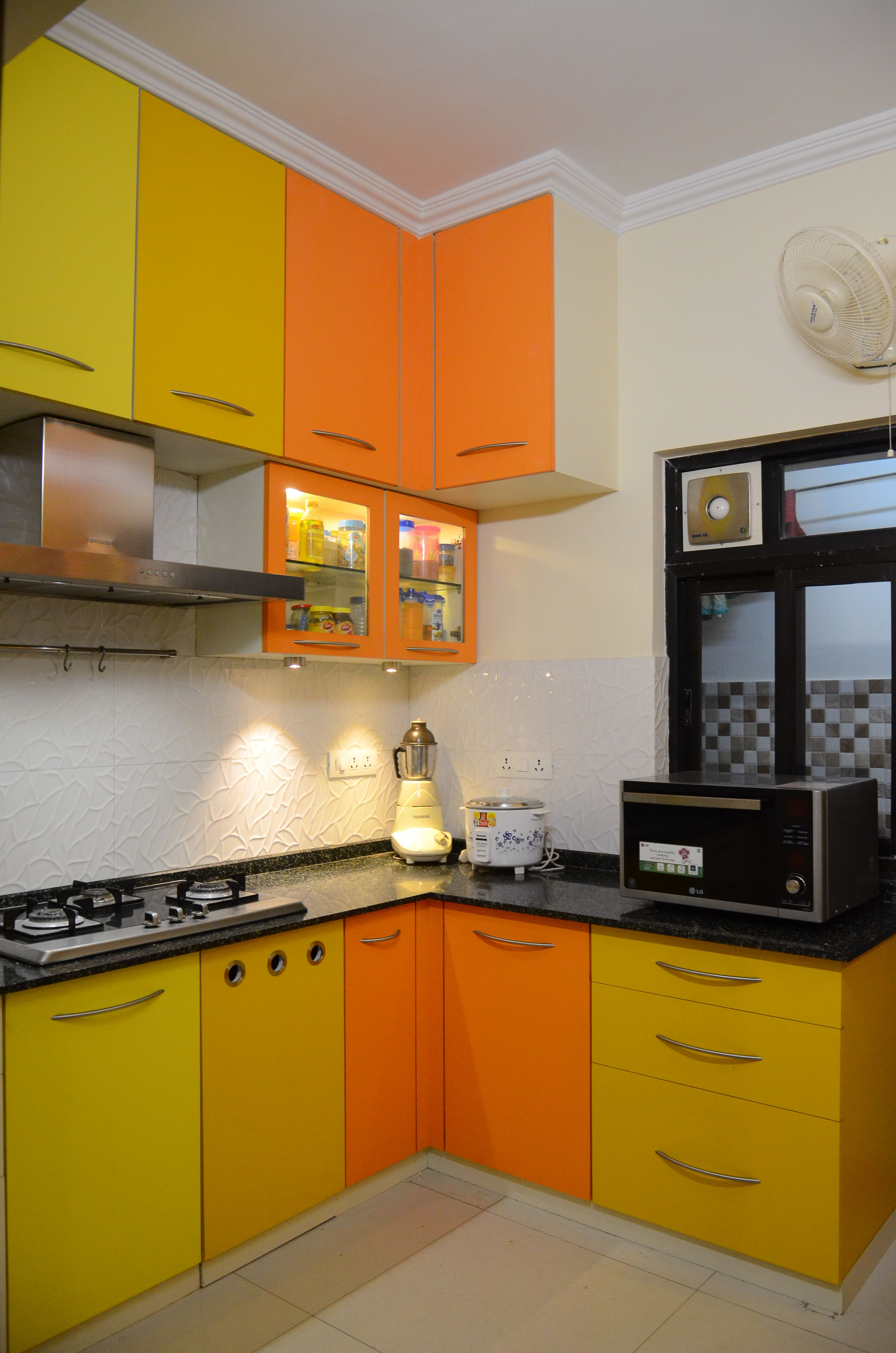 Interior Idea to Enhance The Beauty of Your Small Kitchen ...