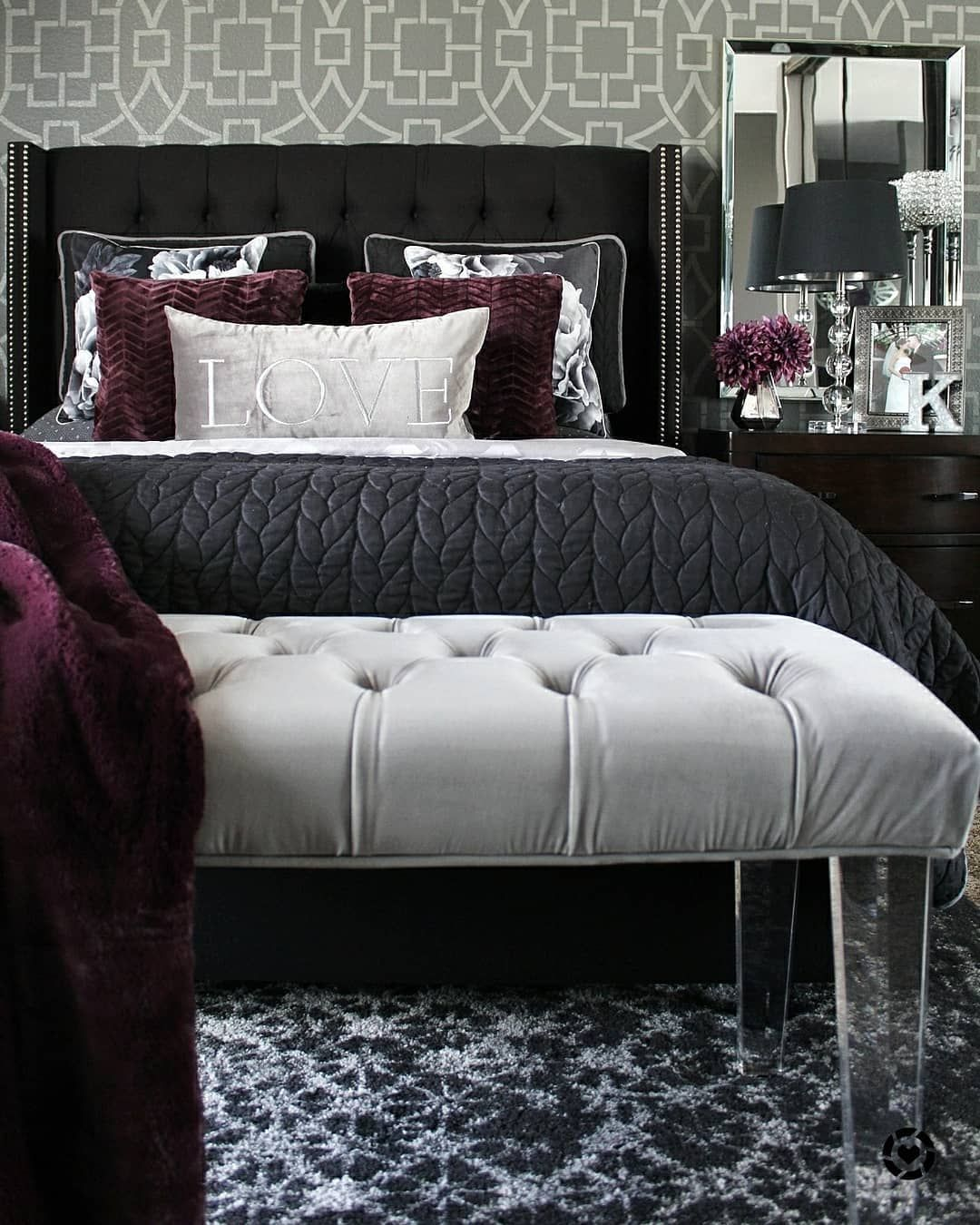 Beautiful Grey Backdrop For Switching Out Accent Colours Love This Plum