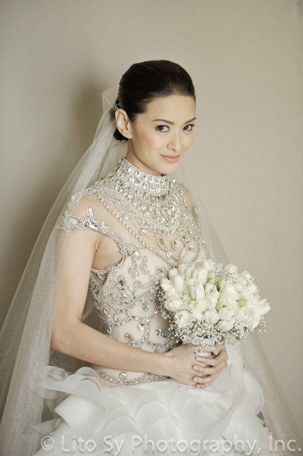 Maricar Reyes Wedding Dress Wedding Bouquets White Pinterest