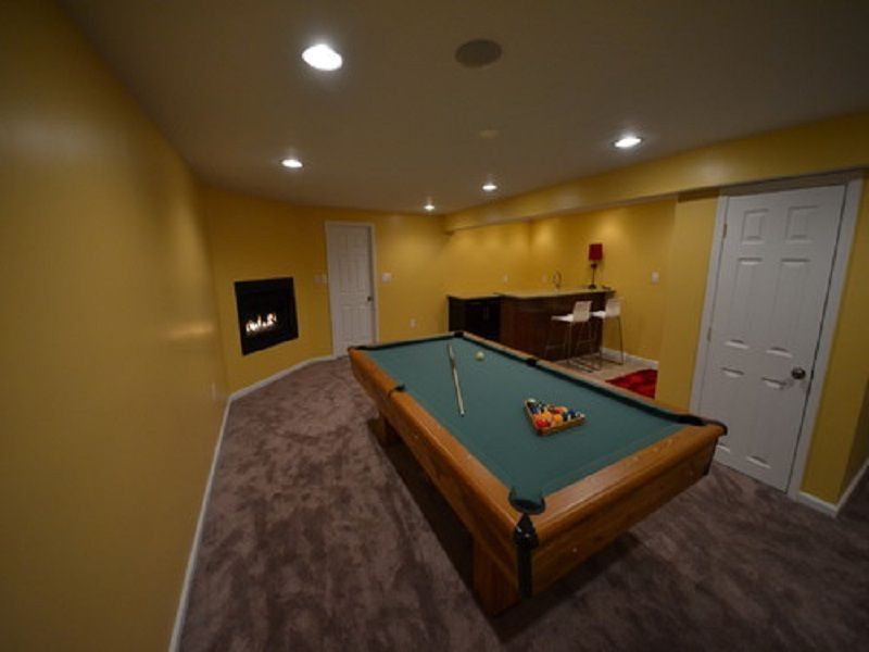 Large basement wet bar designs with pool table http for Home wet bar plans
