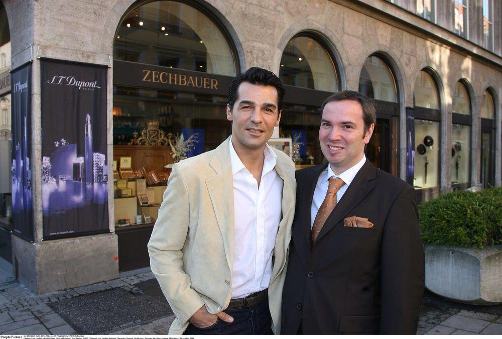 Actor Erol Sander And Managing Director Mirko Pettene Actores Lugares Lugares Para Visitar