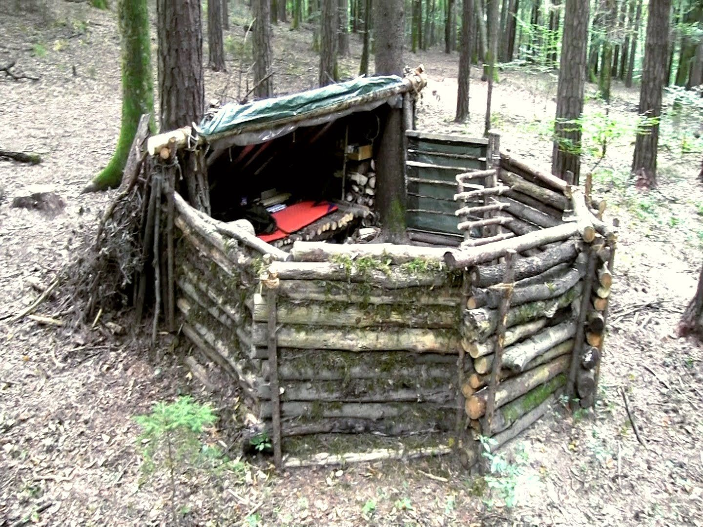 Nice DIY Shelter and Hunting Camp Homesteading