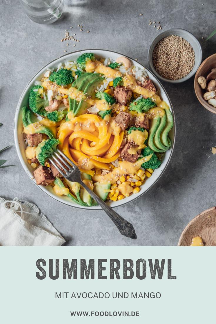 Avocado Mango Bowl mit Brokkoli und Sesamtofu