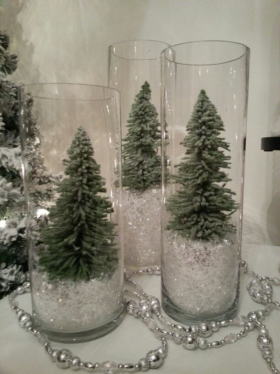 100 Creative Christmas Decor for Small Apartment Ideas Which Are Merry & Bright - Hike n Dip #diychristmasdecor