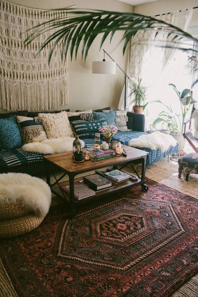 home decor for small spaces #homedecor Boho Decorating ideas for your first apartment or small space living room that include 17 easy bohemian decor ideas to make your home cozy.