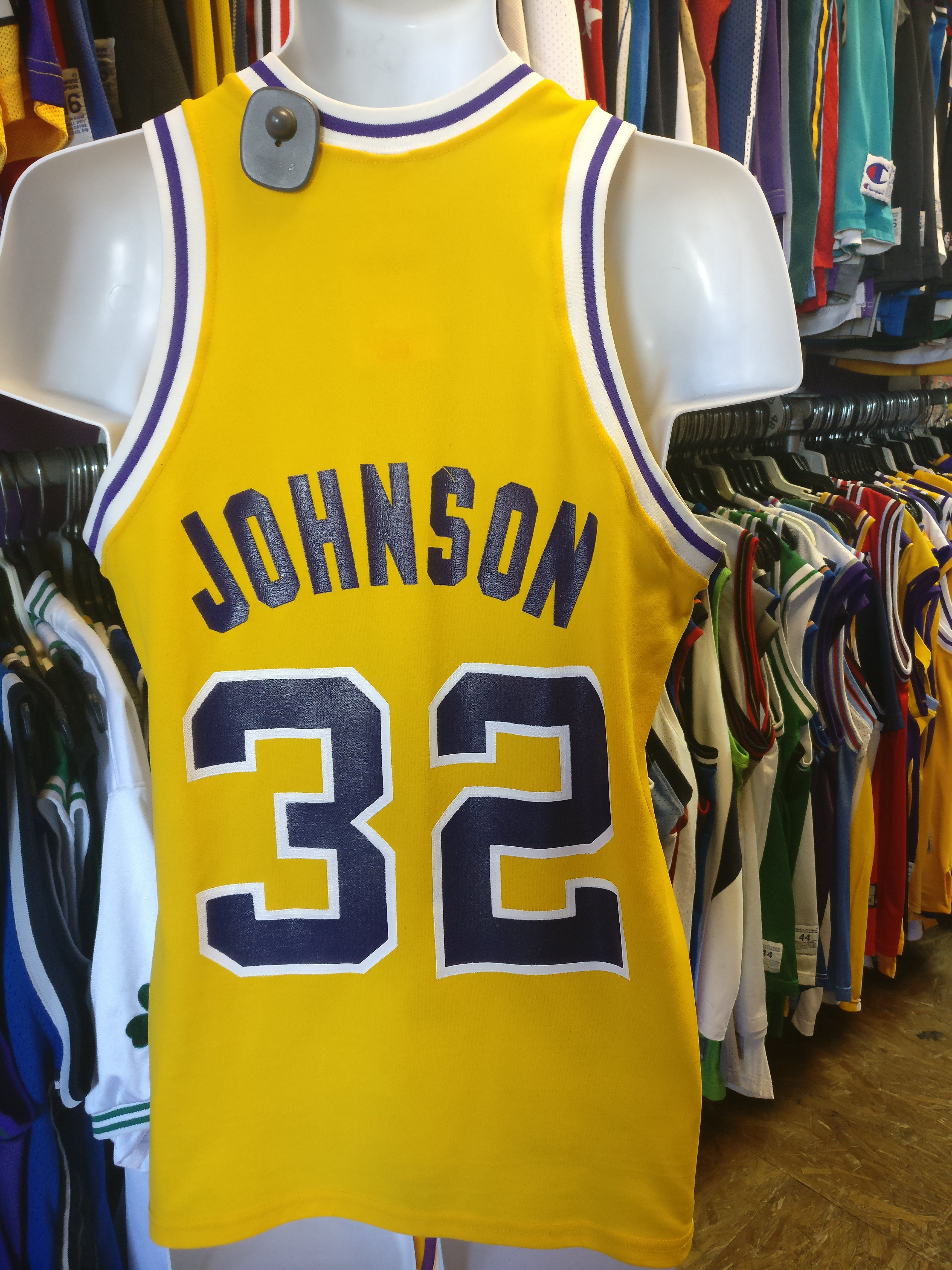acfffc072 Vintage  32 MAGIC JOHNSON Los Angeles Lakers Sand Knit Jersey M ...