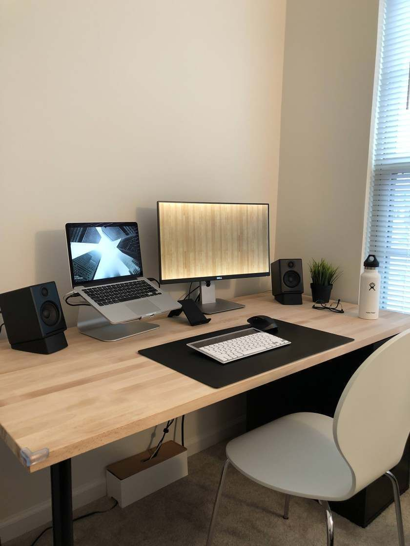 Minimal Wooden Macbook Workspace Minimalsetups Home Office