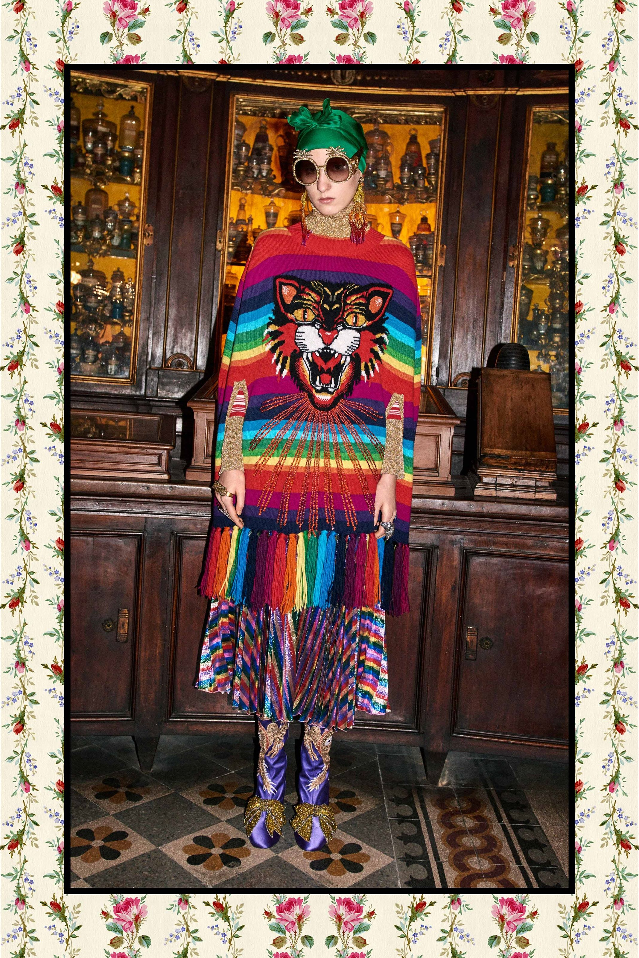 Sfilata Gucci Roma - Pre-Collezioni Autunno-Inverno 2017-18 - Vogue ... 24a445fb9e04