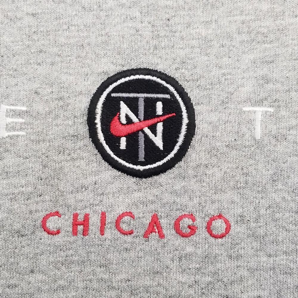Vintage 90s NIKE Town Chicago T Shirt Swoosh Logo Gray Sz XL Short Sleeve   Nike  EmbellishedTee 7608fabfc
