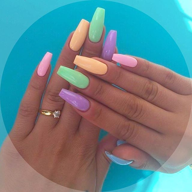 "Photo of Modern Pamper Salon on Instagram: ""Skittles nails💥💅🏻💅🏻☀️#summernails 📞☎️8189851920 get this summer nail look @modernpampersalon 😱💅🏻💅🏻. #coffinnails #fun #summer #nails…"""
