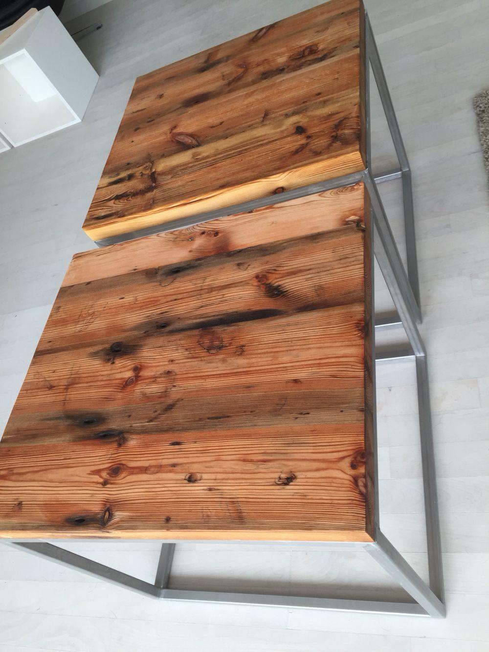 Små sofaborde lavet af gamle gulvplanker behandlet med linolie og med stålstel.