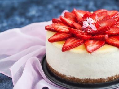 Saborea un delicioso cheesecake de fresa casero sin hornear