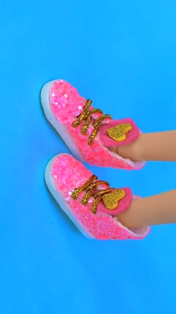 DIY doll's shoes