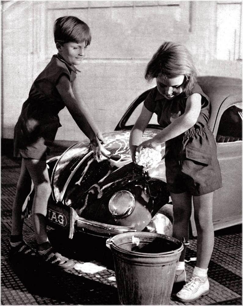 car wash mini vw beetle kids black and white smooth. Black Bedroom Furniture Sets. Home Design Ideas