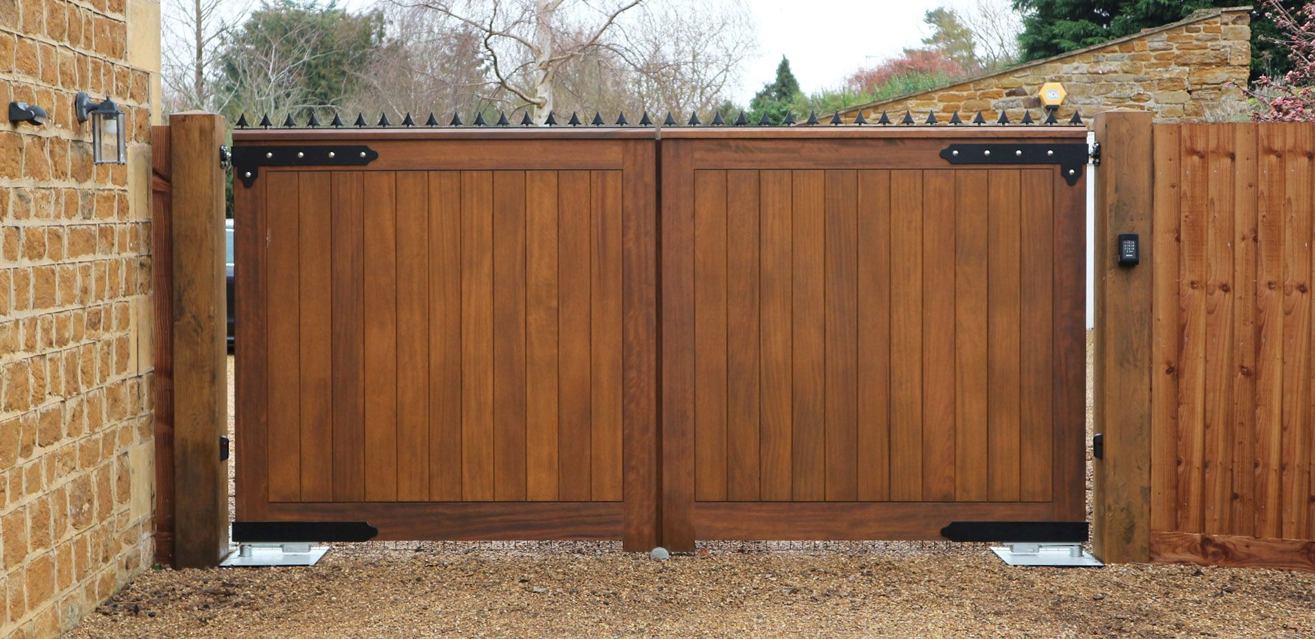 Automatic Wooden Entrance Gates Kislingbury Northamptonshire