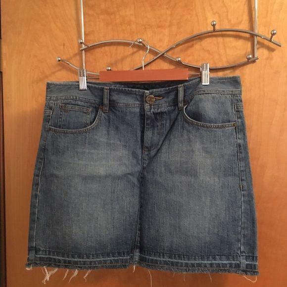 Tommy Hilfiger Jean skirt Size 12 Tommy Hilfiger Jean skirt Tommy Hilfiger Skirts Mini